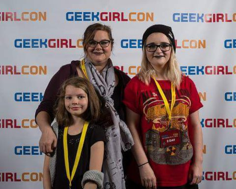 Sharon, her sister Alisha and daughter Kitty at the photobooth at GeekGirlCon '15! (Image source: Sharon Feliciano)